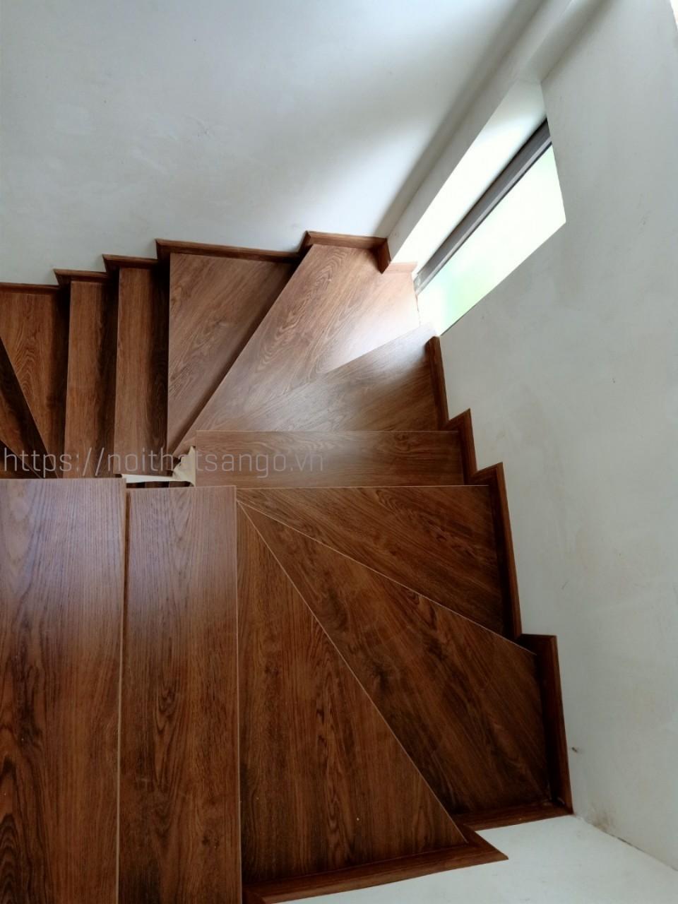 mặt bậc cầu thang công nghiệp